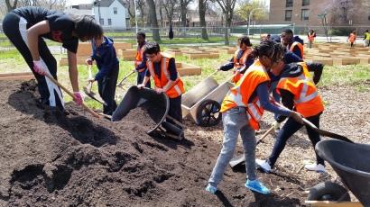 LMSA students build the urban garden last spring.